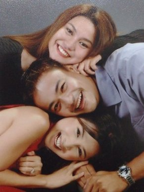 Jojie Alcantara, Ian Garcia and Jeanette Lomanta in Halo Halo Sunday Special, 2003