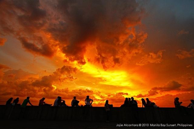 Manila Bay sunset, 2010 © Jojie Alcantara 2010
