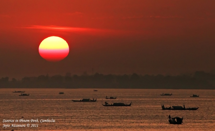Sunrise in Phnom Penh by Jojie Alcantara