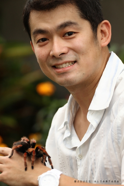 Gary and pet tarantula  © Jojie Alcantara