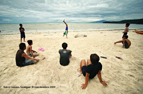Kids in Gumasa, Sarangani by Jojie Alcantara