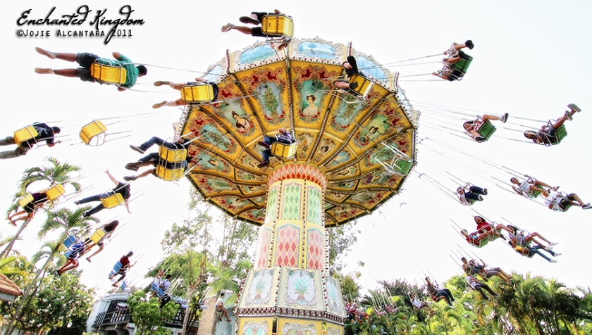 Enchanted Kingdom's human ferris wheel by Jojie Alcantara