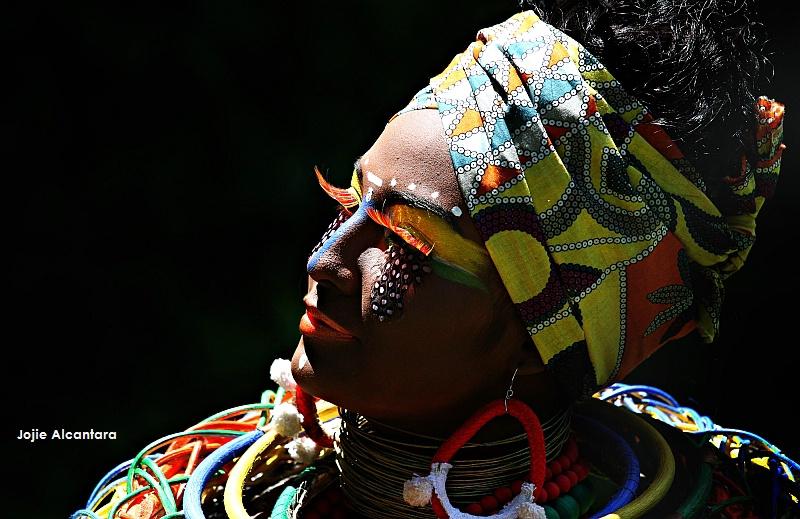 Tribal chic  © Jojie Alcantara