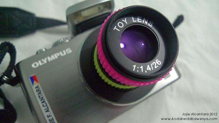 My Oly and toy lens © Jojie Alcantara 2012