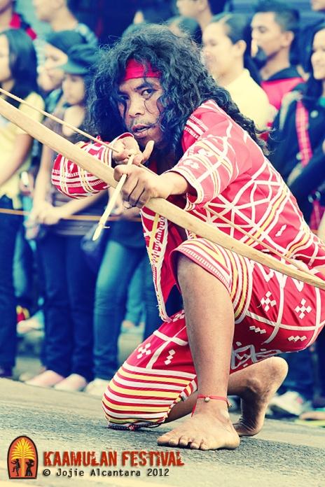 Lumad street performance © Jojie Alcantara