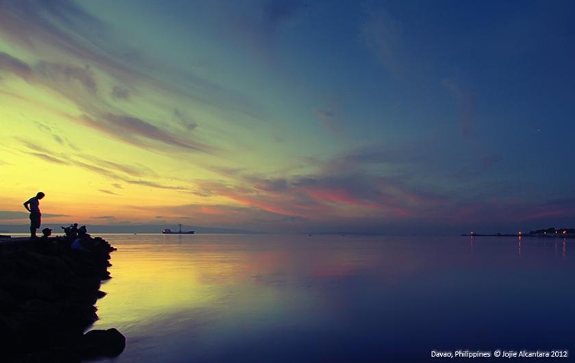 Sunrise and seascape © Jojie Alcantara