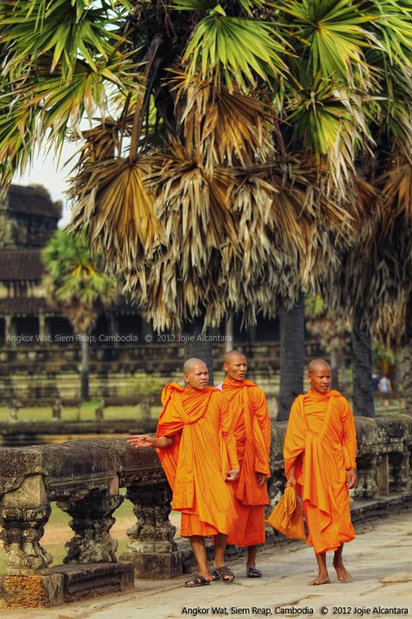 Monks at Angkor Wat © Jojie Alcantara