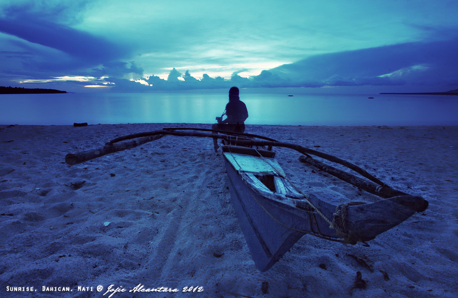 Self portrait at sunrise © Jojie Alcantara