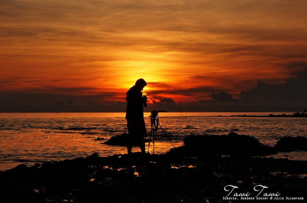 Silhouette of a photojournalist by Jojie Alcantara
