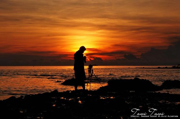 Silhouette of a photojournalist by Jojie Alcantara