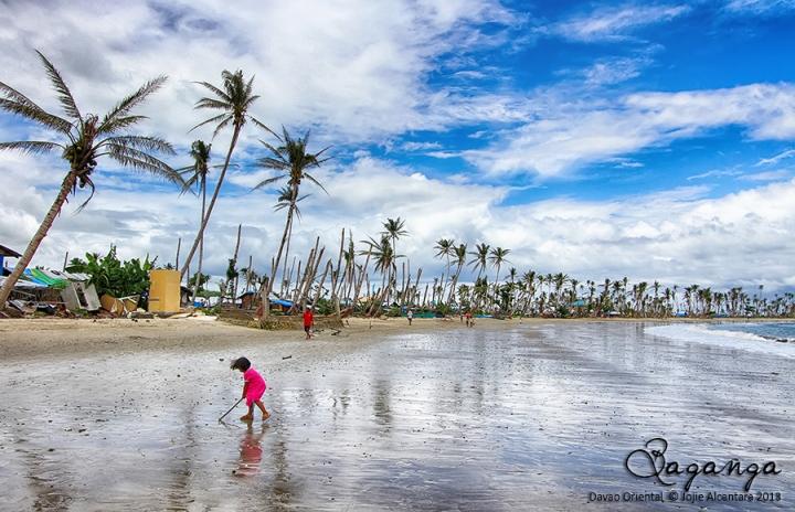 Baganga after Typhoon Pablo  © Jojie Alcantara