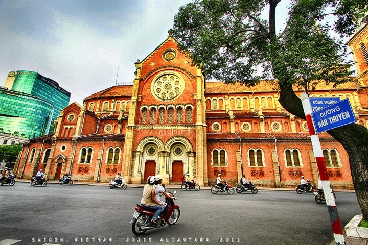 Saigon Notre Dame Basilica by Jojie Alcantara