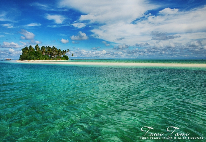 Panam Pangan Island, Tawi-Tawi, Philippines © Jojie Alcantara
