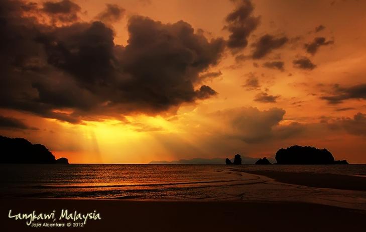 Sunset at Tanjung Rhu © Jojie Alcantara