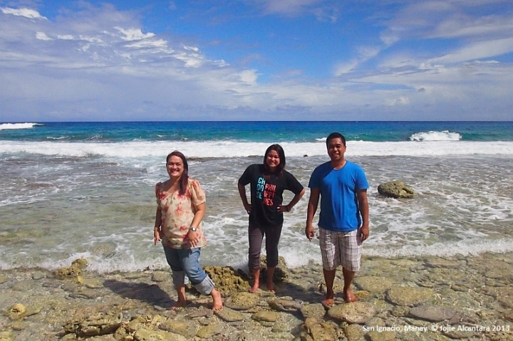 Jojie with sister Karen and cousin Bimbo in San Ignacio, 2013