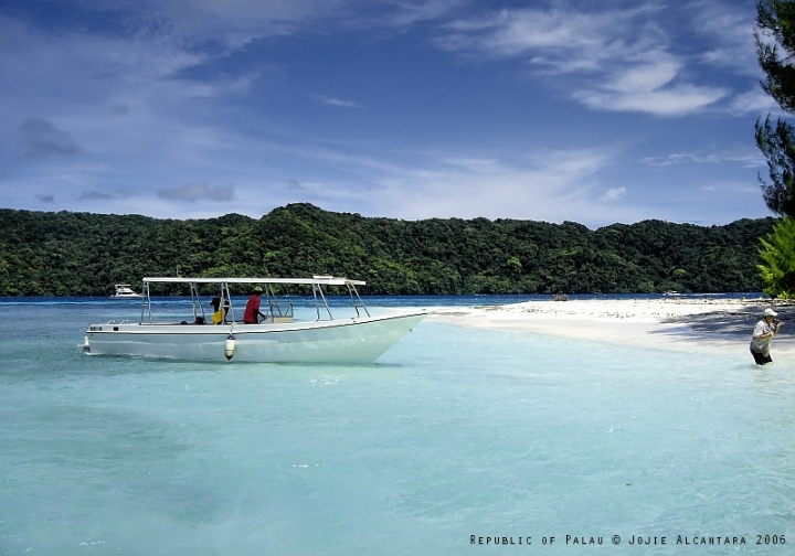 Rock Islands, Palau © Jojie Alcantara 2006