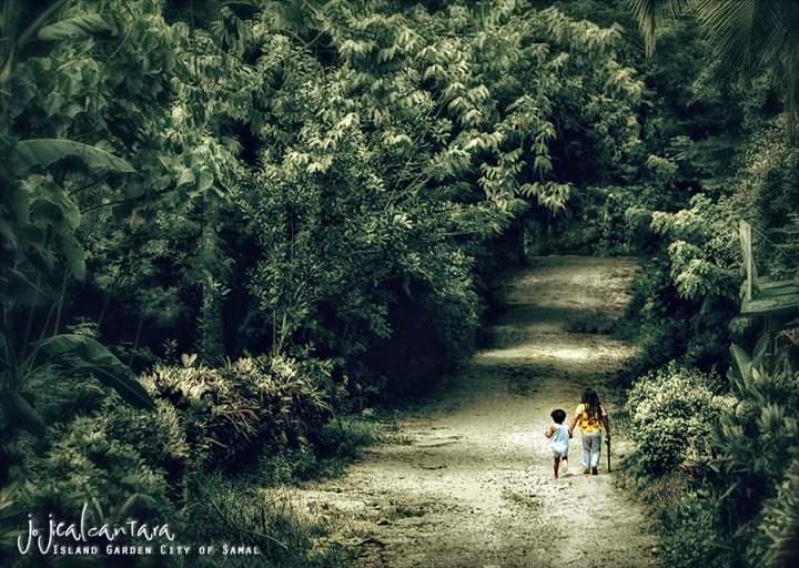 The road ahead  © Jojie Alcantara 2013