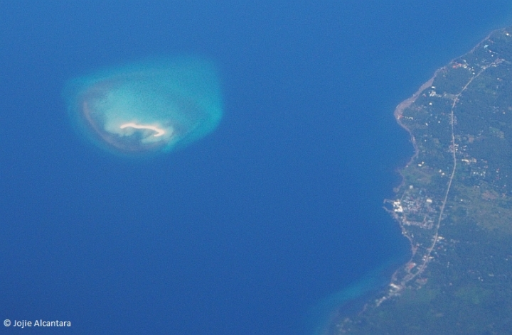 White Island and Camiguin from an airplane  © Jojie Alcantara