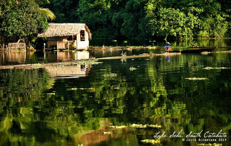 Floating house, Lake Sebu © Jojie Alcantara