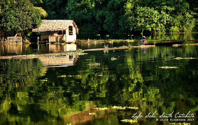 Floating house, Lake Sebu © Jojie Alcantara