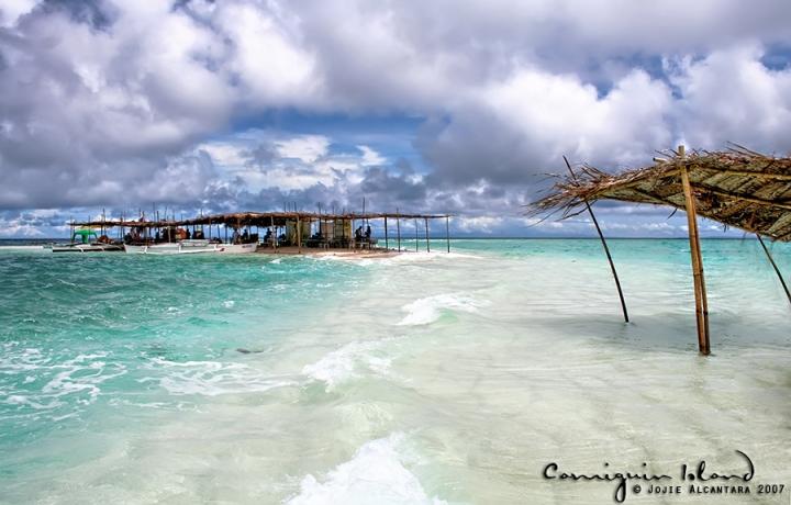 White Island, Camiguin at high tide  © Jojie Alcantara