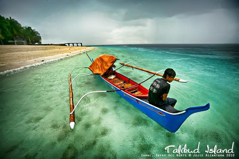 Talikud Island by Jojie Alcantara