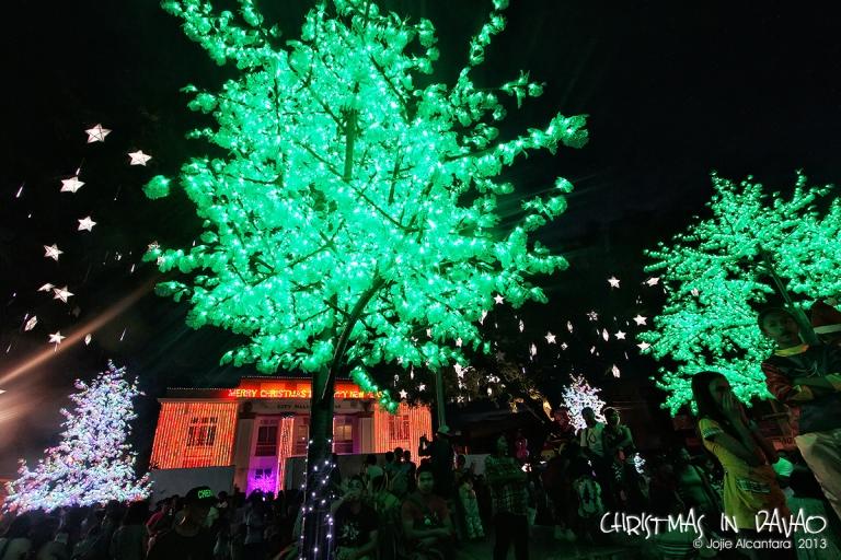 Christmas in Rizal Park, Davao City  © Jojie Alcantara