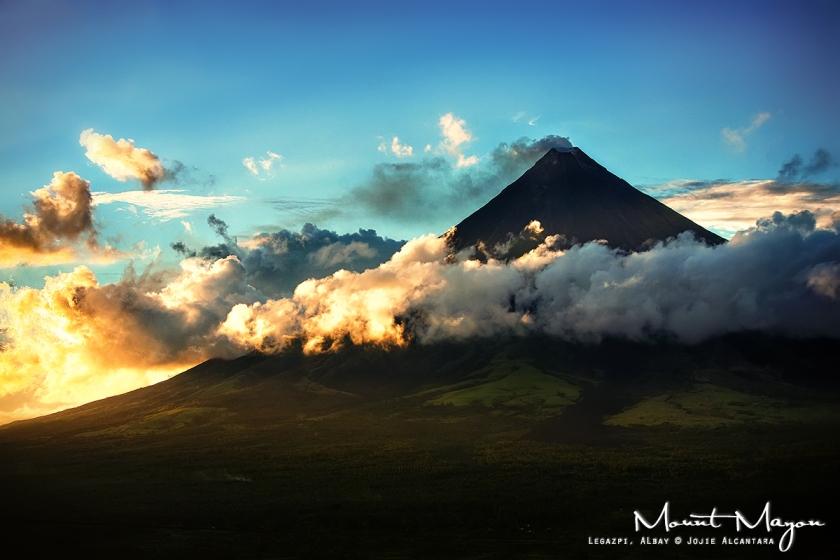 Mount Mayon © Jojie Alcantara
