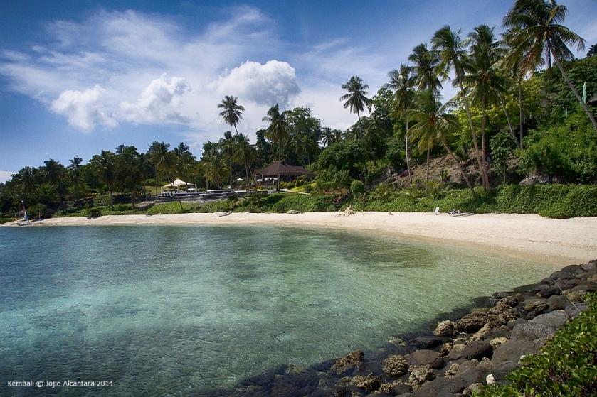 Kembali coastline © Jojie Alcantara