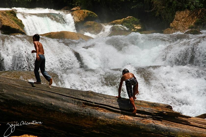 Aliwagwag Falls, Cateel © Jojie Alcantara