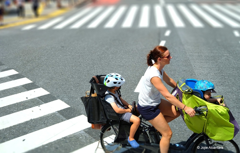 Family cycling by Jojie Alcantara 2