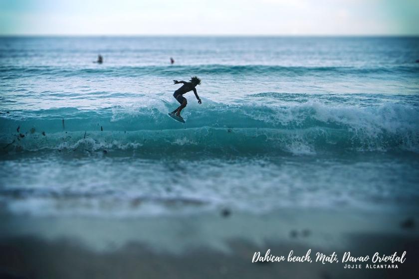 Dahican beach by Jojie Alcantara