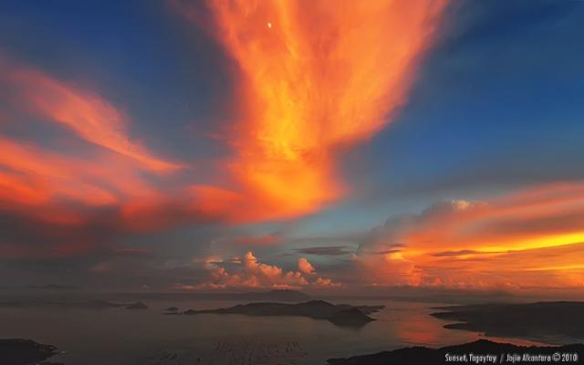 Sunset in Tagaytay © Jojie Alcantara